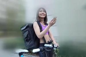 東條なつ 美女が自転車で男の元に向かいエッチなサービス!乳首舐め手コキフェラする風俗嬢