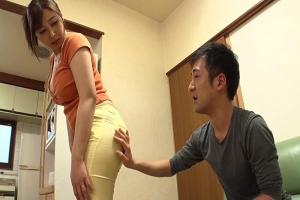 小川桃果 巨乳奥さんの桃尻に欲情エステティシャンが引き締め効果バツグンの生ちんぽ挿入寝取られマッサージ