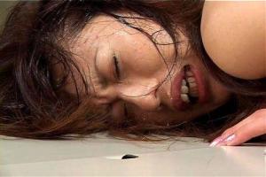 水咲涼子 全裸で四つん這いにされアナルを凌辱されてしまう美女!仕上げにこってりザーメンを顔射
