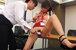 吉沢明歩下着モデルをさせられた美人上司がフェラしオフィスSEX