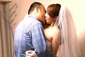 佐伯春菜 巨乳人妻がウェディングドレスを着て寝取られNTR!他人棒で犯される花嫁