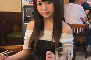 居酒屋からホテルに直行ハメ撮りまっしぐら!清楚な見た目の巨乳美少女が股を開いてガチSEX!