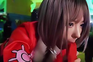 桃乃木かな 巨乳のコスプレ美少女がTバック丸出しでちんぽをフェラ!顔面騎乗でまんこを押し付ける