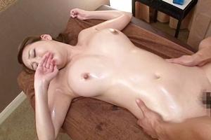 朝桐光 巨乳人妻がマッサージ師に肉棒をぶち込まれ中出し膣内射精されてしまう!