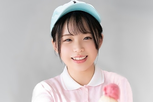 【浜崎みなみ 動画】童顔ロリ体型だけど中身はエッチなこと大好きな美少女デビュー