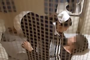 福咲れん 夜勤中の三十路熟女看護師!患者と病室で浮気セックスしてしまいザーメン中出し