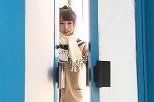 【マジックミラー号】お団子ヘアが可愛い修学旅行JKをナンパ!セーラー服の貧乳美少女とハメパコ