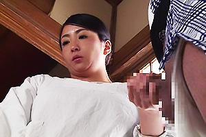 【素人ぶっかけ】華奢でエロい水着姿の素人女子大生の、ぶっかけハメ撮り個人撮影セックスプレイがエロい。実にグラマラス!
