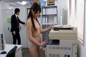 倉木しおり美人OLがミスをして奴隷社員になってしまい全裸勤務でセクハラされる