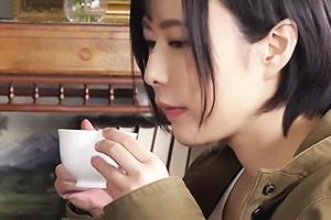 牧村柚希 永野楓果 貧困のドスケベ美少女と地味メガネのお嬢様が格差を超えたレズの関係に!