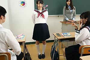 河奈亜依 転校生としてやって来た自分とそっくりのJK!入れ替わった美少女が幼馴染とイチャつく