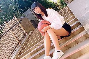 野中萌 バスケが大好きな経験人数わずかひとりの純情ウブ娘!小麦肌のスポーツ女子がAVデビュー