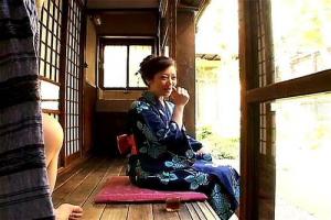 愛川咲樹 綺麗なお母さんのオナニー姿に興奮した息子が近親相姦中出しSEX
