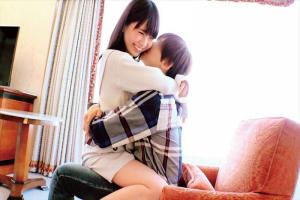 桜井千春 ウブで清楚な女子大生をナンパして密着セックス!そのままたっぷりザーメンを中出し