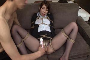 香山美桜 巨乳女上司を縄で縛りバイブで潮吹き絶頂させ昼間から会社サボりSEX