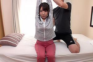 ジョギング中のスポーツ女子をナンパ成功!巨乳美女の美尻を堪能しながらガン突きバック