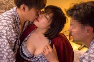 音海里奈 巨乳人妻が寝取られNTR!会社の旅行で職場の同僚と乱交セックスしてしまう浴衣美女