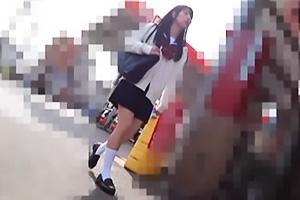 【素人】R15ちゃん 黒髪ロングのセーラー服JK!白ハイソの正統派美少女を追跡して隠し撮り