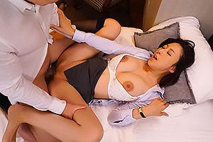 松下紗栄子 黒パンスト巨乳の女上司と相部屋宿泊!泥酔まんこにちんぽをぶち込みNTRザーメン中出し