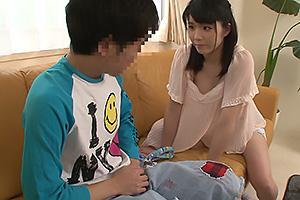 斉藤りこ 勉強を教えてくれるおばさんの胸チラに興奮!ショタ男ちんぽ挿入でザーメン中出し