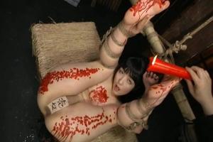 有本紗世 美尻美女が縄で拘束され菊門拷問ロウ責めアナル中出しで絶頂