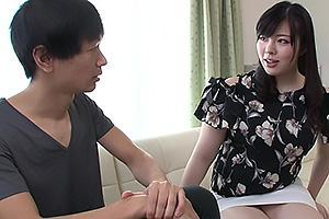 神咲紗々 夫婦喧嘩してやって来た母の友人!ムチムチ爆乳ボディに欲情した童貞男子と中出しセックス