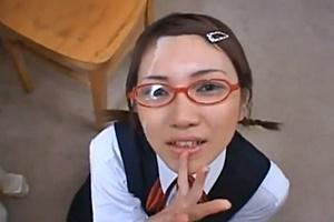 大塚ひな かわいい妹に萌えるメガネ美少女JK妹にオナニー見せ顔射