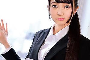 早美さん セクハラ面接されてしまう貧乳の素人女子大生!下着丸出しで土下座する美少女にザーメン中出し