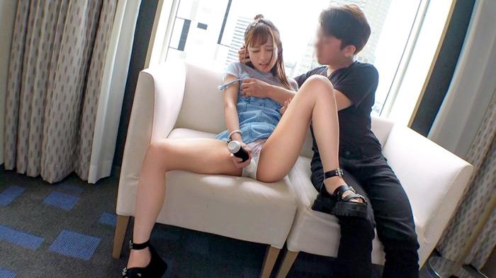 マジ軟派、初撮。 1647 原宿で女の子にマジックを披露!興味を持った女の子をホテルに連れ込み!コンドームを使ったマジックでエロい方向へ誘導!スラっと長い脚とプリっとした小尻を露わに乱れまくる!