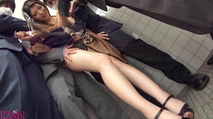 麗しの秋田美人 彼氏のNTR願望に応え、秋田から来たシングルマザー 透き通る極スレンダーE乳 宮野茜 31歳 AVデビュー