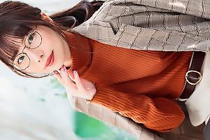 美波こづえ ノーブラ美人アパレルデザイナーが衝撃のAVデビュー!黒パンストを破ってまんこを手マン