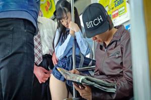 栄川乃亜 ツインテールの制服JKに電車で痴漢行為!発情した美少女に素股されてしまう