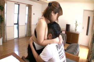 折原ゆかり 堀川奈美 成績の悪い息子を卒業させるため教師に色仕掛けする巨乳の熟女妻