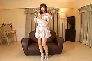 彩奈リナ 巨乳美女がパンツ食い込ませディルドをパイズリフェラしオナニーサポート