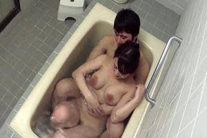 白石茉莉奈 巨乳で新婚の人妻女教師が旦那とお風呂でフェラクンニしてイチャイチャ