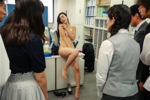 古川いおり レイプで闇落ち容姿端麗な社長令嬢が羞恥プレイの快感がエスカレートして見られて絶頂オフィスで全裸の露出調教