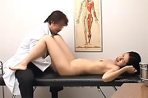 産婦人科で行われた悪徳行為の盗撮映像!媚薬を盛られた患者のキメセクまんこを弄ぶ変態医師
