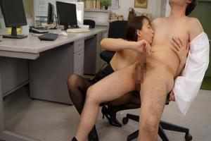 蓮実クレア オフィスで乳首責めしてくる巨乳のドスケベOL!フル勃起ちんぽを手コキされ悶絶