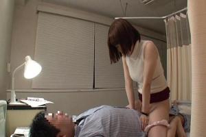 篠田ゆう 入院中の夫とセックスする美人妻にちんぽを見せつけ!興奮した淫乱女とNTRセックス