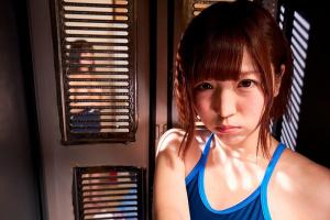 【VR】佐倉絆 水泳部の後輩とロッカーの中で密着!外に女子がいるのに立ちバックでガン突き
