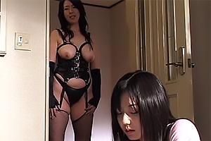 みずなあんり 早坂純 ボンテージ姿の姑にSM調教されてしまう美人妻!緊縛されてレズキス