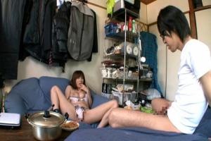 麻美ゆま お宅に突撃訪問してオナニー見せオカズになり手コキフェラしちゃう