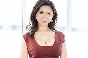 【天野るみ 動画】美しい、優しい、ヤラしい、理想のGカップ女上司。 大手アパレルブランド勤務 47歳 AV DEBUT